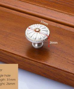 Dekoračná vintageretro kľučka na nábytok - biela, 3126mm