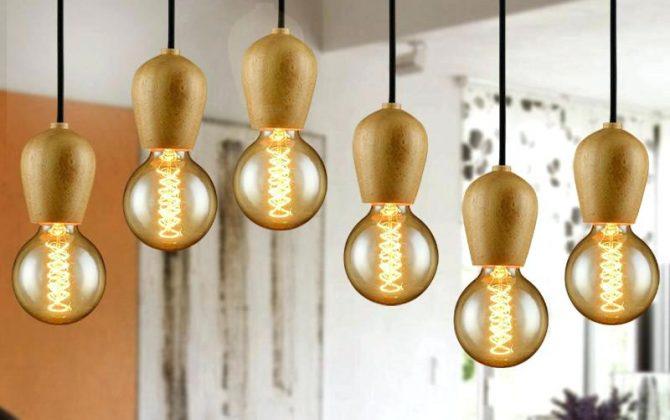 Ak chcete žiť štýlovo potom je toto dubové stropné svietidlo práve pre Vás 670x420 - Závesné drevené svietidlo s textilným káblom v modrej farbe