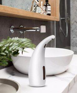Inteligentný automatický dávkovač gélu a mydla na ruky v bielej farbe